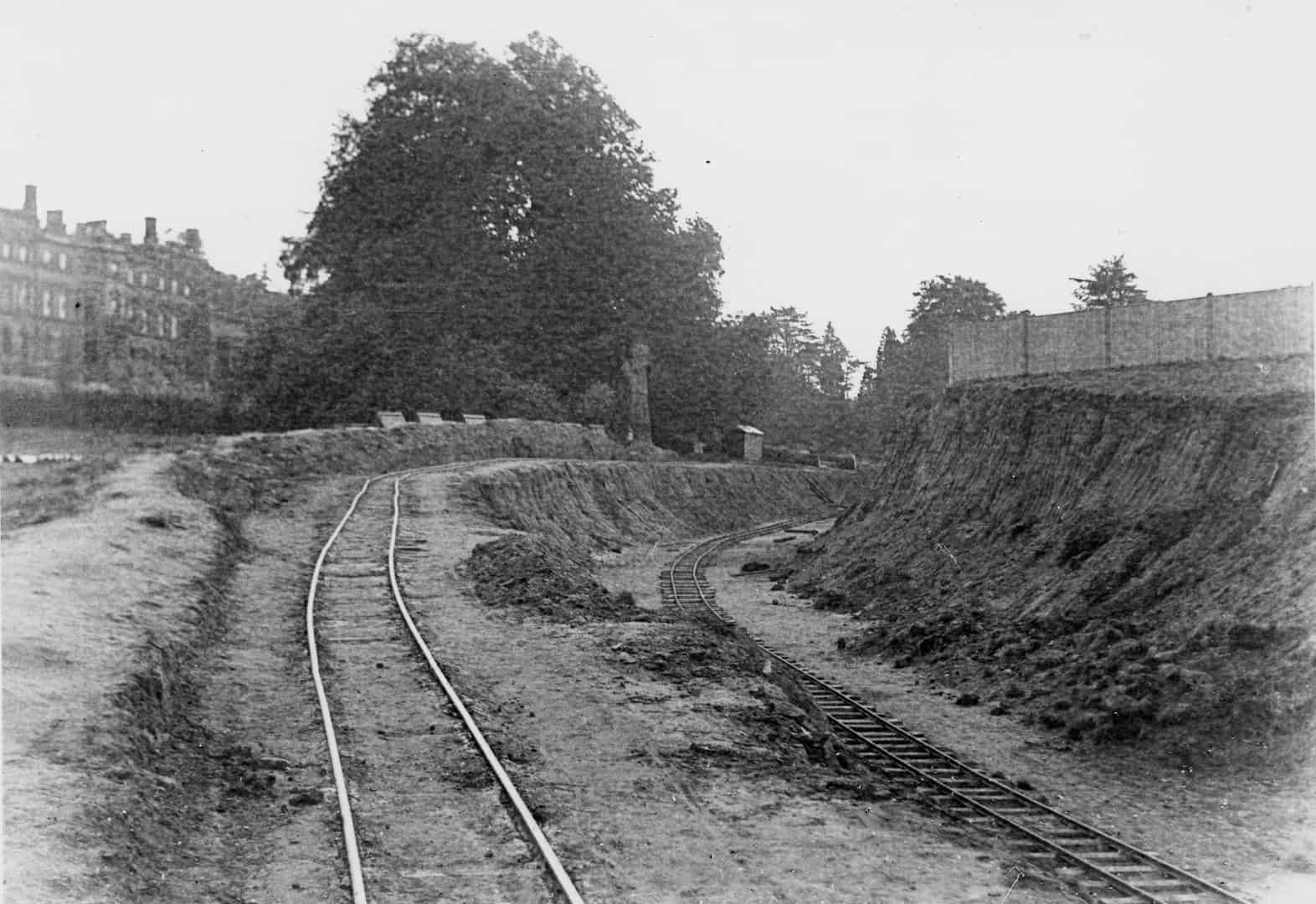 Building the Dorking Bypass (A24) in 1934
